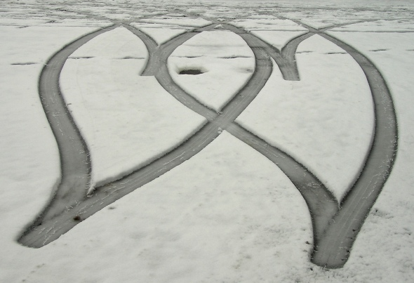 Tyre tracks in the snow. Pic by lovestruck from Flickr.